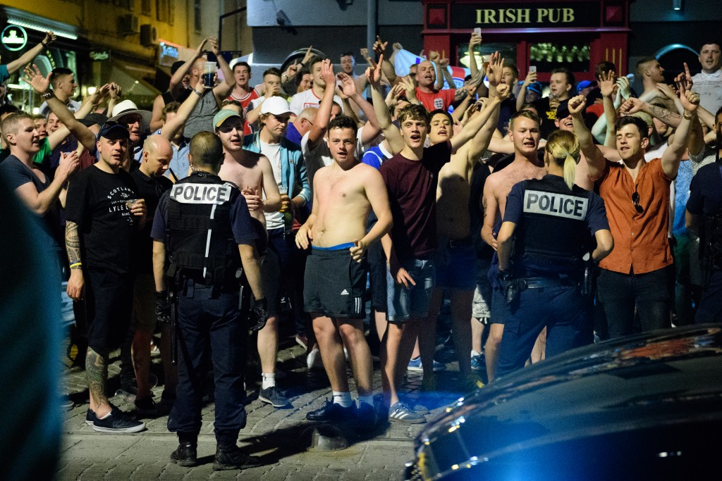 low light, Nikon D5, local police, UEFA, fan, Euro 2016, football, tournament, France, Russia, Marseille, England fans, Russian fans,