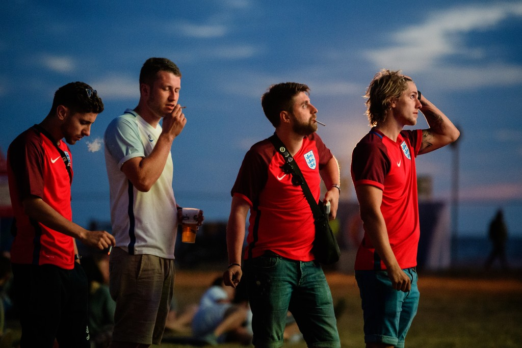 low light, sport photography, UEFA, fan, Euro 2016, football, tournament, France, Russia, French fans, Russian fans, football