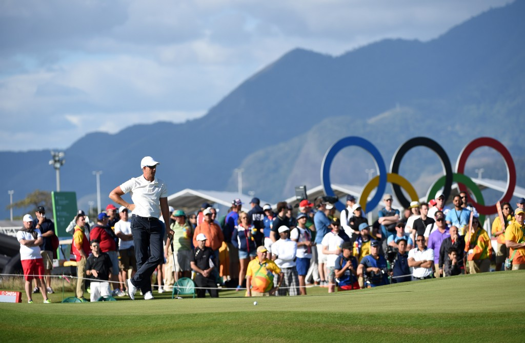 Henrik Stenson of Sweden in the 16th green in the round one of the Men's Individual stroke play at the Olympic golf course in the Rio 2016 Olympic Games in Rio de Janeiro, Brazil, 11 August 2016.