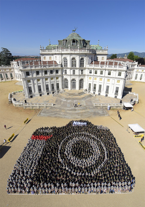 Largest Human Image of a Camera, Nikon, Guinness World Book of Records