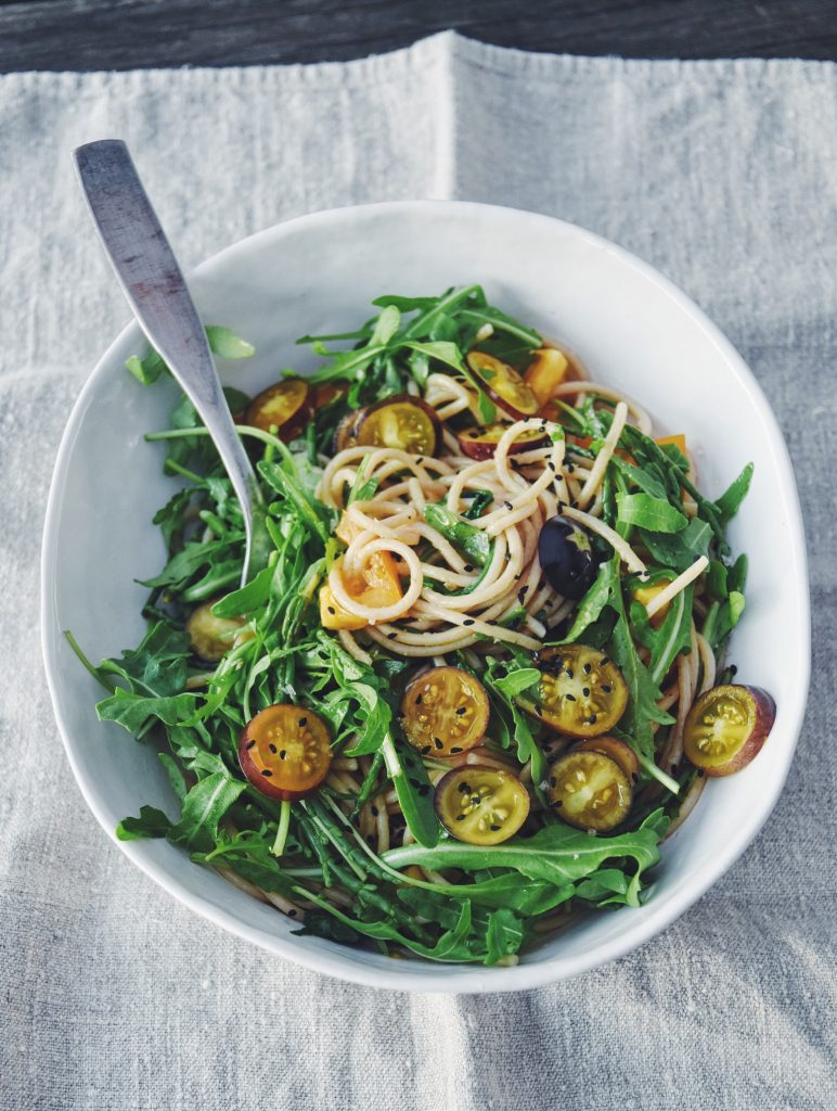 Heike Müller Spaghetti with rucola and purple tomatoes
