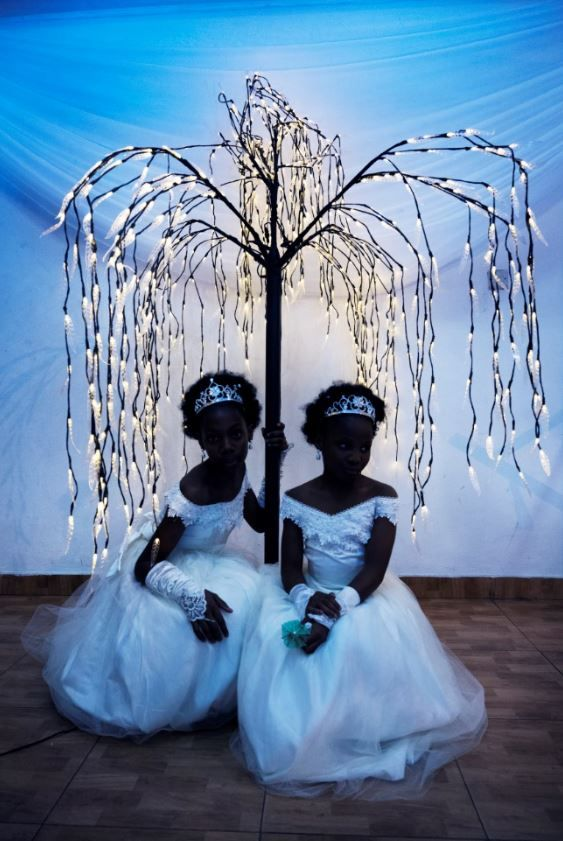 Seeing Double: an investigation into the complexities of twinhood in Nigeria by NOOR ambassadors Benedicte Kurzen and Sanne De Wilde